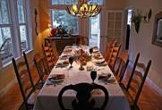 http://www.dailyapostle.org/images/thanksgiving-table.jpg